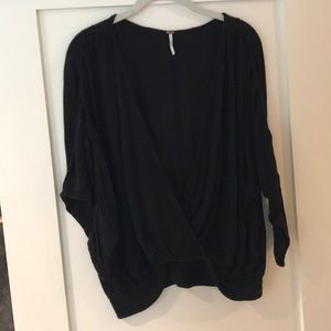 Free people black dropped v neck rubbed 3/4 sleeve